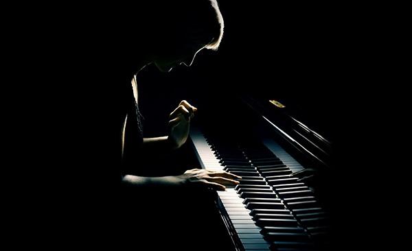 钢琴 晴天弹唱谱子