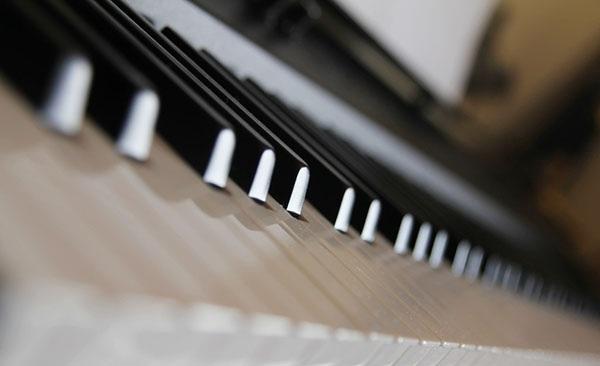 低音谱号与高音谱号的转换