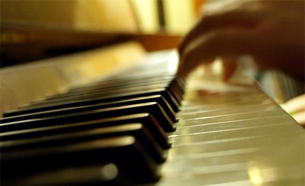 困难是朋友钢琴简谱