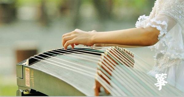 活动 大师 古筝演奏家龙德君           龙德君,著名古筝演奏家,四川