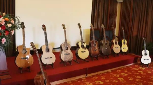奥森吉他正式签约指弹演奏家曹思义为形象代言