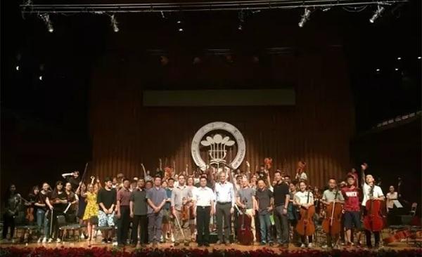 澳大利亚悉尼交响乐团访问星海音乐学院