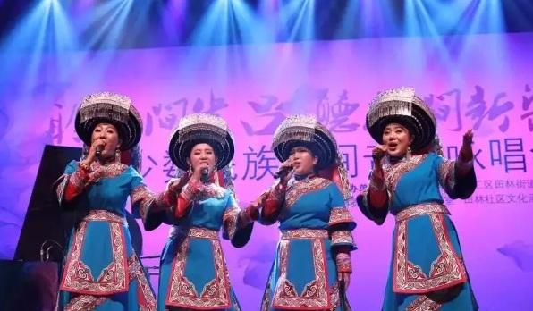 阿姿阿芭带着贵州彝族文化走向上海走进校园