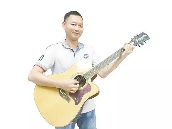 有这样一个人,他让江门制造的乐器走向世界
