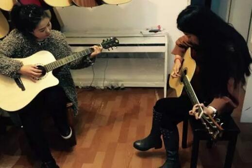 吉他教学.jpg