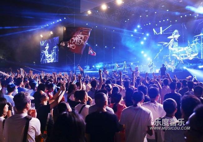 2017朱家尖东海音乐节 提倡原生态创造海洋音乐狂欢